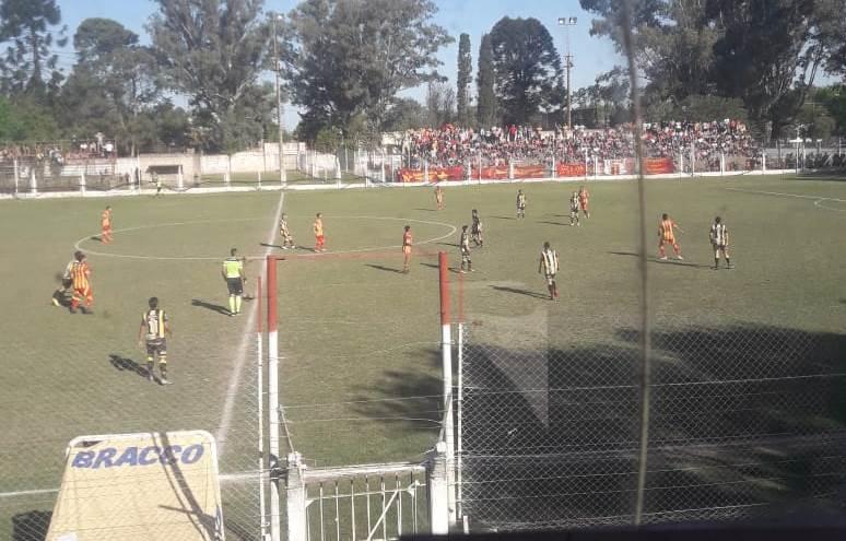 La revancha de la histórica final de la Alianza Deportiva 2018, entre Racing y Barracas, se jugará este sábado 8 de diciembre.
