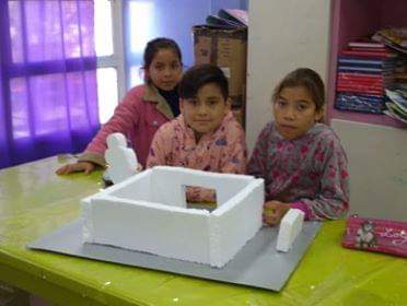 Las niñas y niños de Casa del Niño, en el marco de las actividades de carácter artístico que desarrollan, confeccionaron diferentes maquetas.
