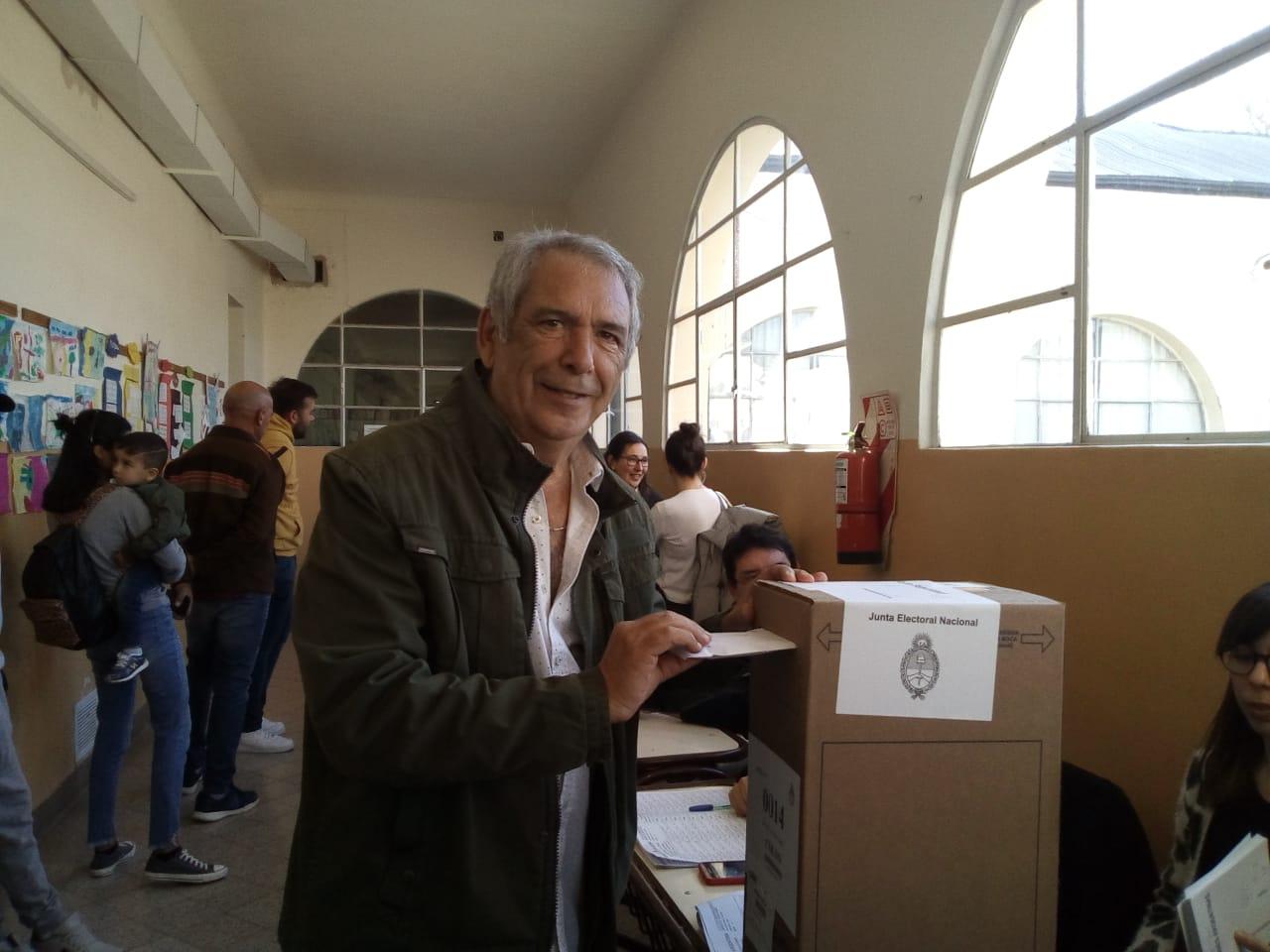 Ricardo Casi se quedó con la interna y sigue siendo el más votado