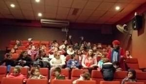 Los chicos al cine