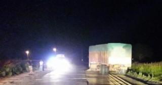 Choque fatal entre dos camiones en la Rotonda de Pearson