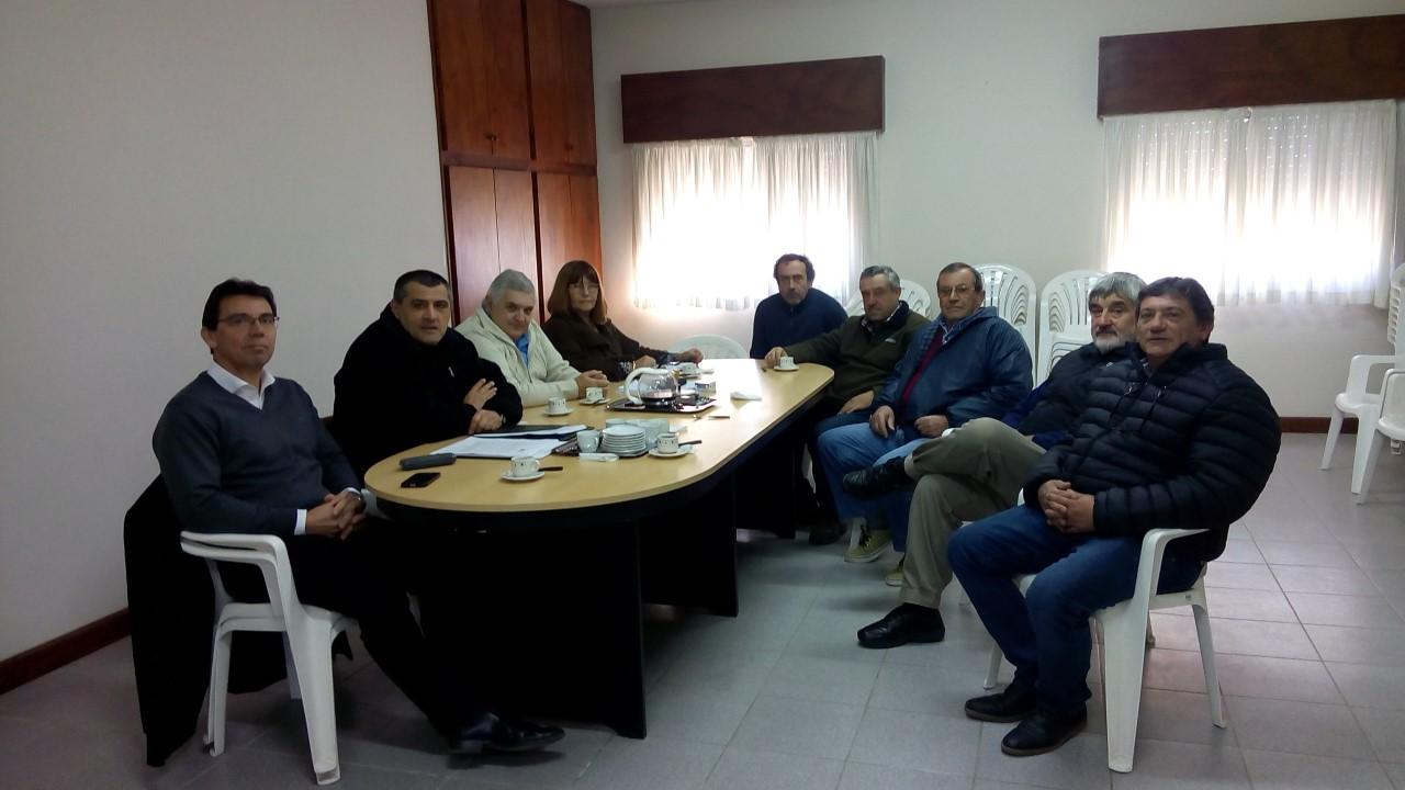 La Dirección de Producción y Turismo, junto al presidente de la Sociedad Rural Colón, convocaron a todos los integrantes de la Comisión Local de Emergencia Agropecuaria.