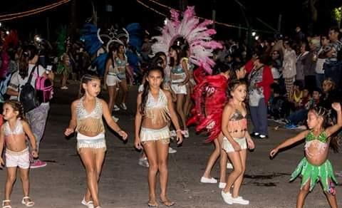 Con un multitudinario marco de público, dieron comienzo en la noche del sábado 2 de marzo los tradicionales Carnavales Populares de nuestra ciudad.