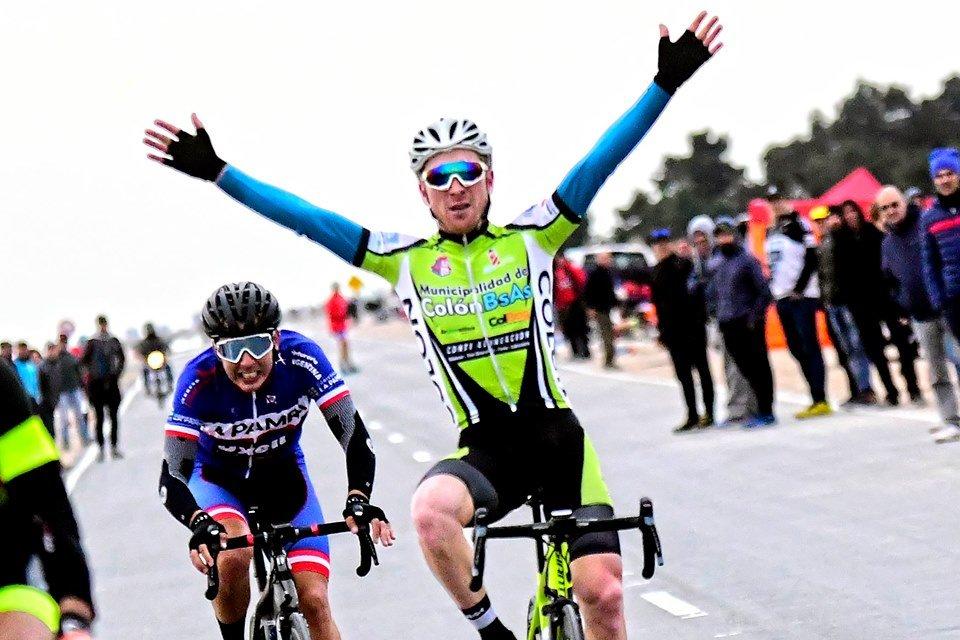 Buenos resultados para el equipo colonense de ciclismo