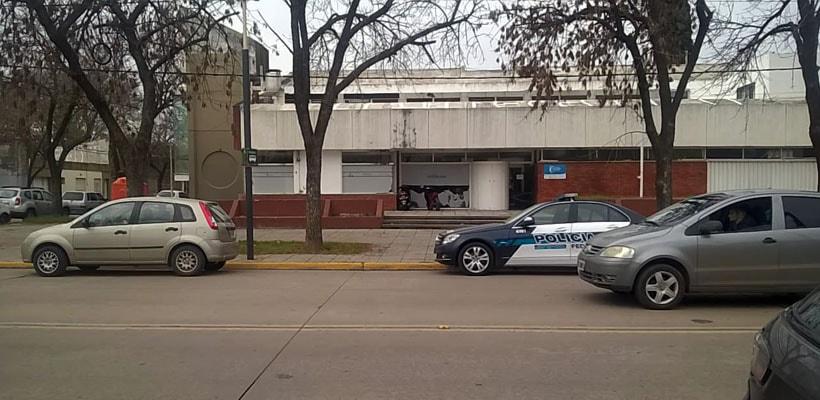 El Juzgado Federal Número de San Nicolás, a cargo de Carlos Villafuerte Ruzo, en el marco de una investigación que lleva adelante el fiscal Matías Di Lello, ordenó una serie de allanamientos en simultáneo que realizó la Policía Federal Argentina en la Municipalidad de Pergamino.