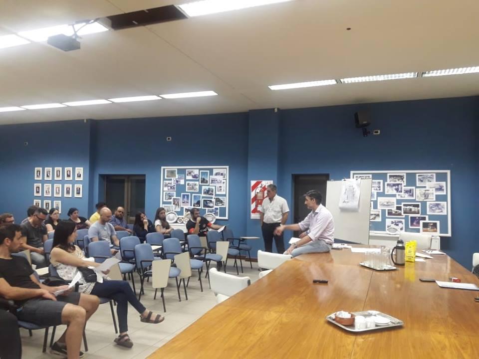 En la noche del jueves 8 de noviembre, tuvo lugar en en el Salón Auditorio de la Cooperativa Eléctrica Colón la reunión informativa por la obra de extensión de la red de gas natural para el Área 2 (9 a 15 y 38 a 42, barrio Las Lilas).