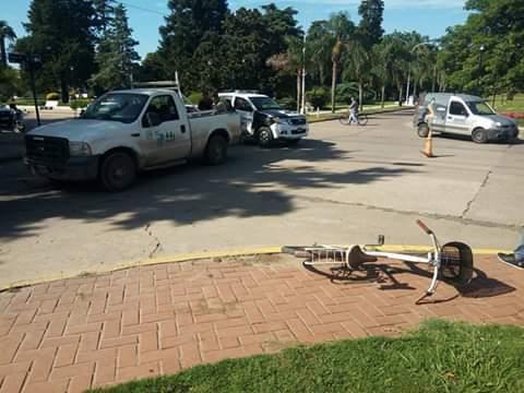 En la mañana de este lunes 21 de enero, cerca de las 9.30 de la mañana,  la Secretaría de Seguridad informó sobre un accidente en calle 18 y Boulevard 50 entre una camioneta y una bicicleta.