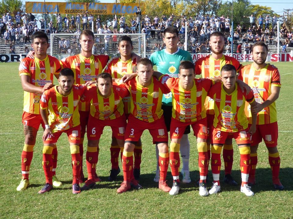 Barracas quedó eliminado del Torneo Regional Federal Amateur 2019. Este pasado domingo en la ciudad de Lincoln Empató 1 a 1 con gol de Agustín Cheme ante El Linqueño y teniendo en cuenta el 2 a 1 a favor de los de Lincoln en la ida, el elenco de Alberto Cánepa fue eliminado.