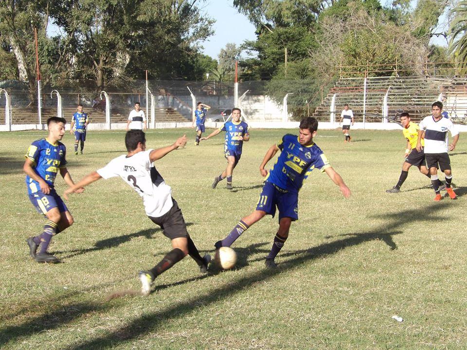 En la tarde del domingo 14 de abril se completó la cuarta fecha del Torneo Local de Primera División.