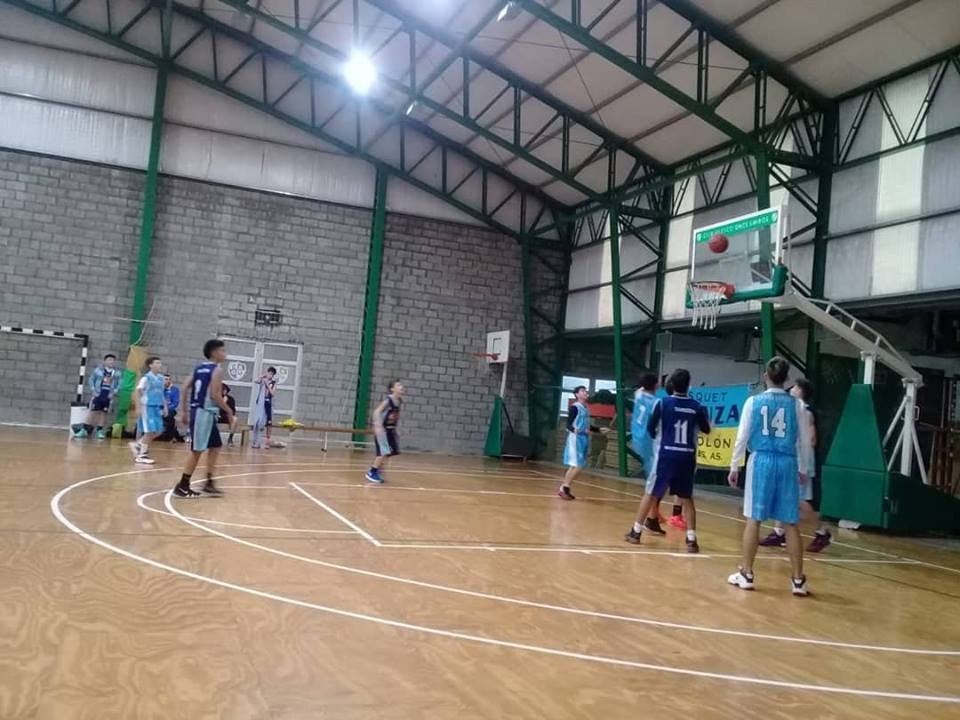 Los Aguiluchos jugaron como locales el sábado frente a Gimnasia de Pergamino por la fecha 8 del Torneo Clausura de la APB.