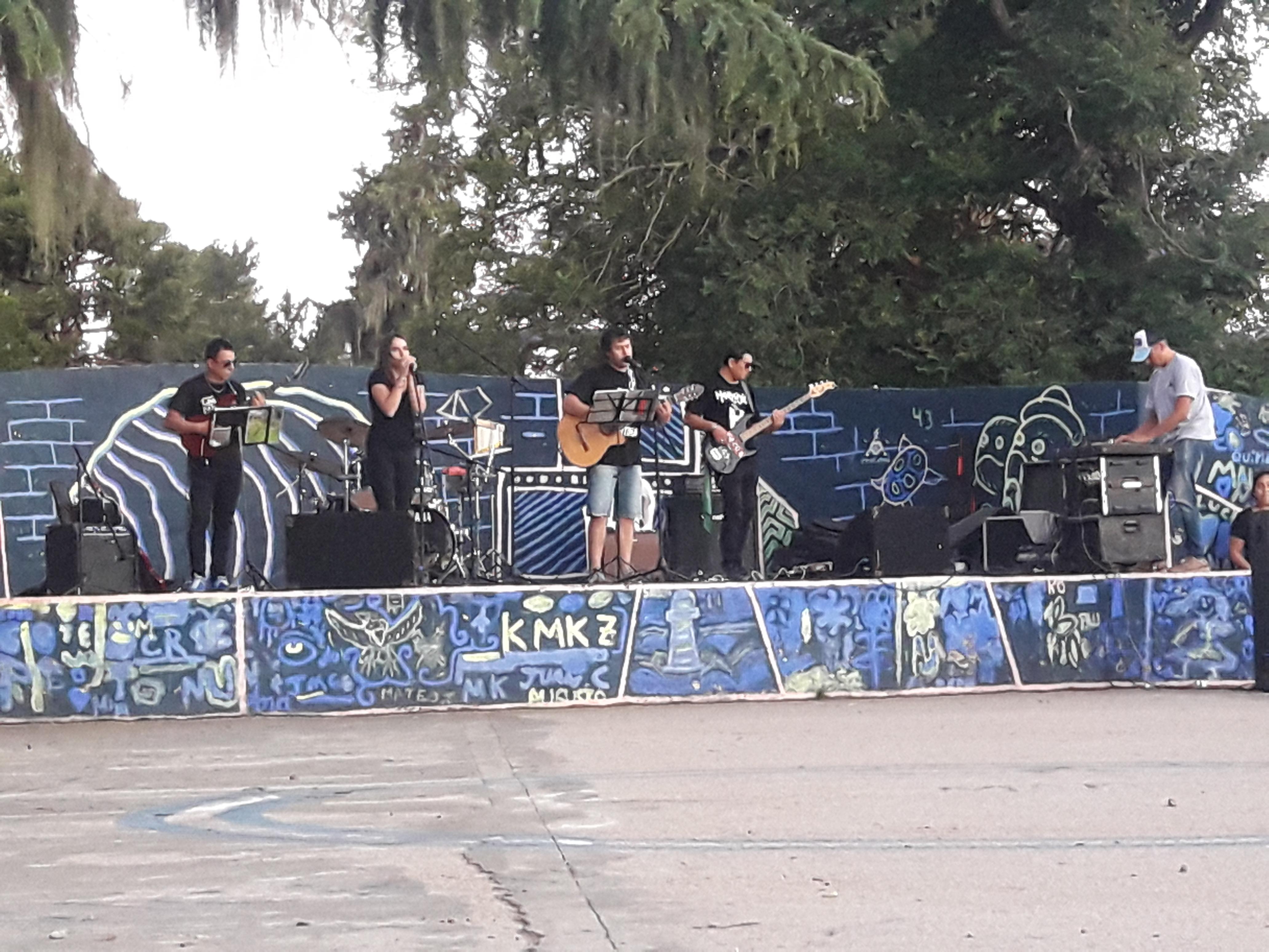 La Dirección de Cultura de la Municipalidad de Colón invita a la Jornada de Música que se desarrollará este domingo 19 de mayo a partir de las 17 horas.