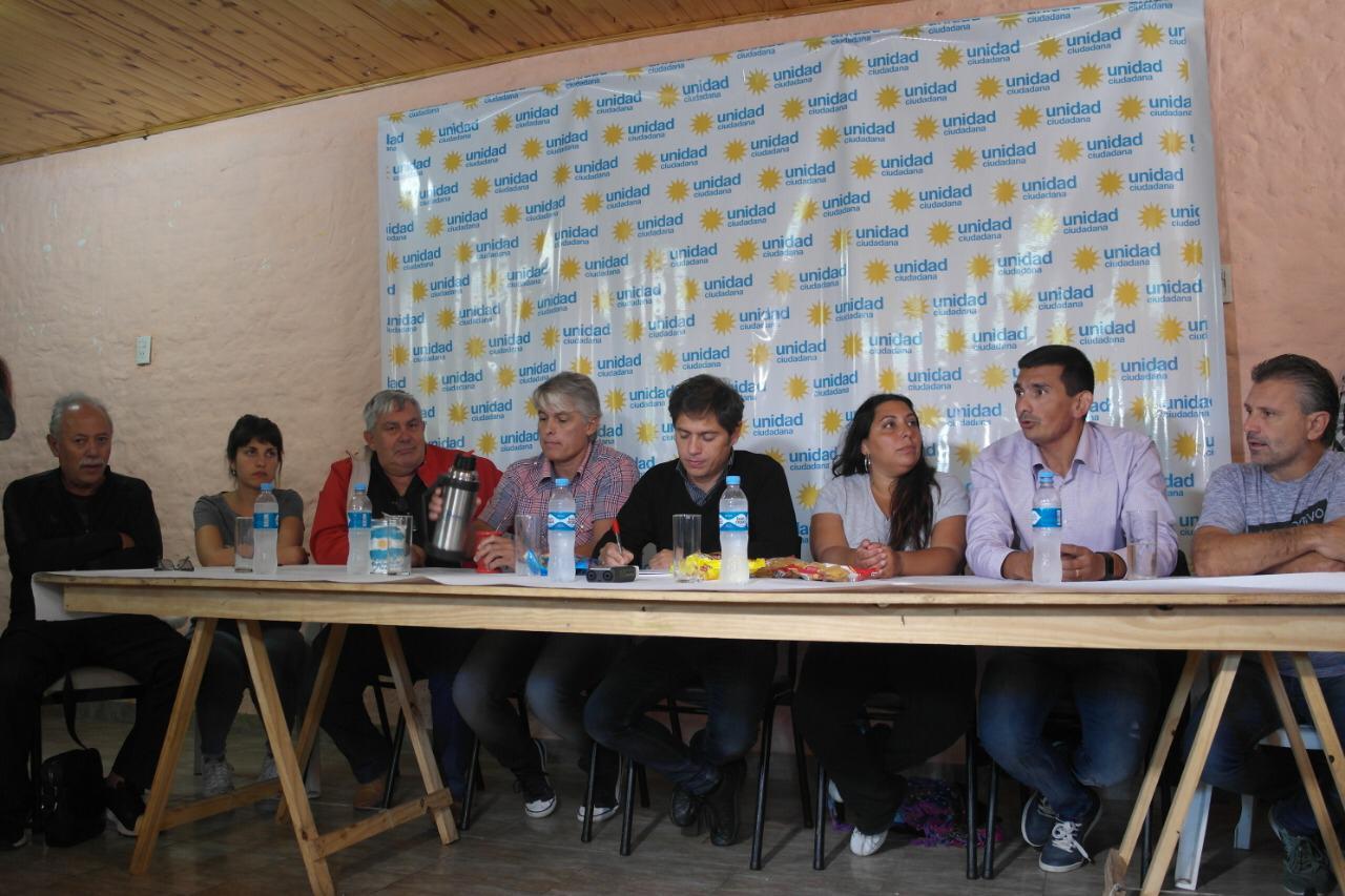 La diputada Fernanda Díaz acompañó, en las ciudades de Arrecifes y Salto, al diputado nacional Axel Kicillof.
