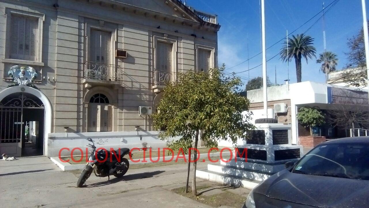 En la mañana de este martes 30 de abril, en calle 59 entre 19 y 20, en Barrio Esperanza, Maximiliano García de 29 años perdió la vida tras ser apuñalado por su expareja, una joven de aproximadamente 25 años.