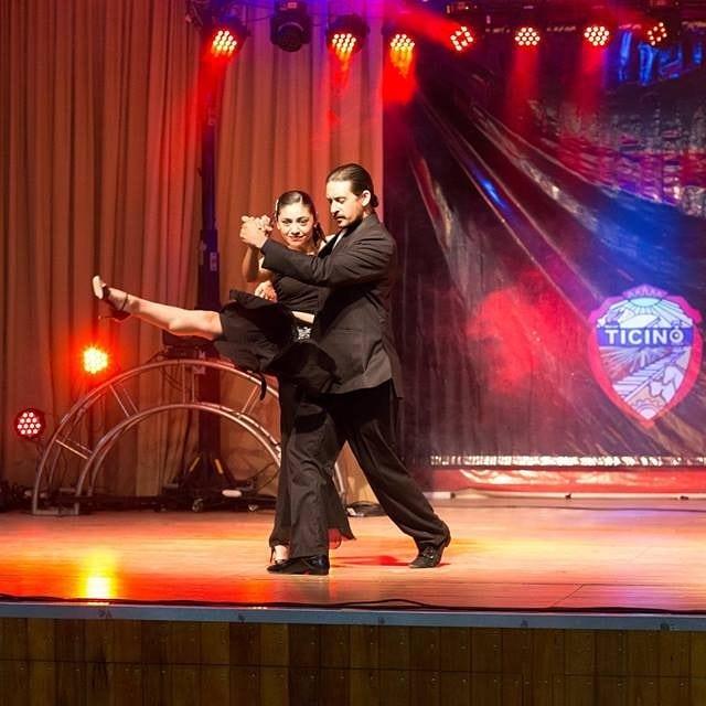 """El pasado domingo 18 de noviembre, Macarena Puzzo y Mauro Engemann participaron en el Pre Cosquín en el rubro """"pareja de danza estilizada"""