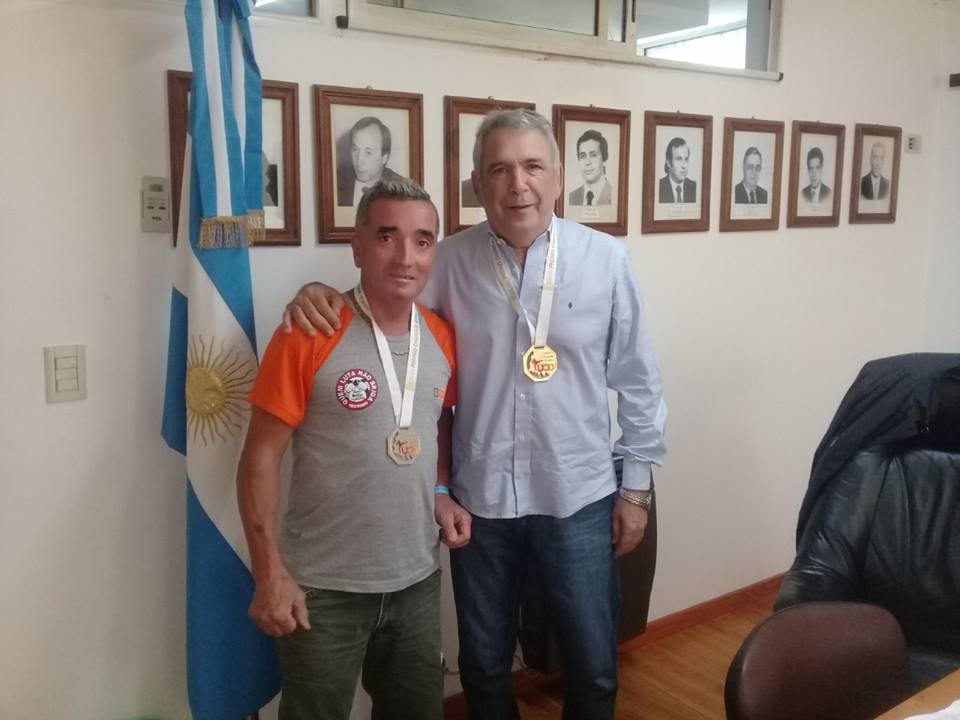 El intendente Ricardo Casi recibió en el Palacio Municipal al taekwondista colonense Sergio Ruggero, quien participó el fin de semana pasado del Gran Premio Charrúa 2018 de taekwondo, el cual tuvo lugar en Montevideo, Uruguay.