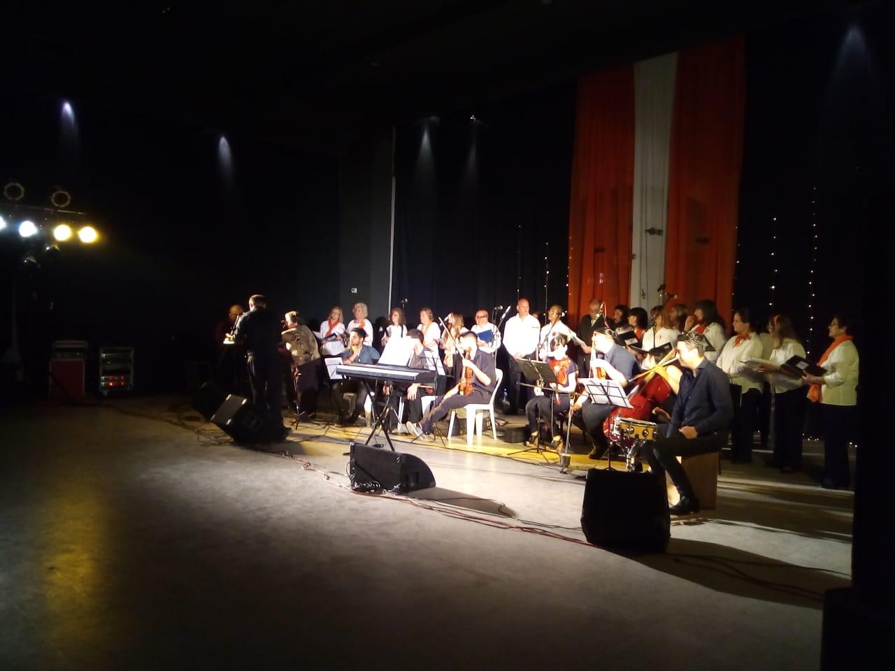 """En la noche del domingo 28 de octubre se realizó el recital anual del coro del Club Alianza """"Voces para un nuevo tiempo""""."""