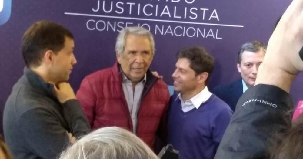 El intendente de Colón junto a Axel Kicillof.