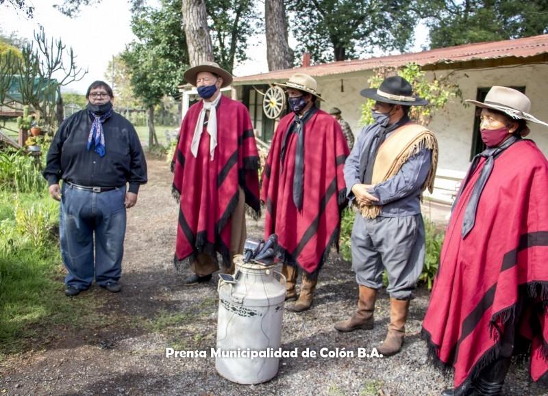En el Rancho Museo La Palmira estuvo presente la delegación de Los Gauchos de Güemes.