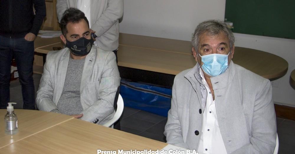 El funcionario nacional visitó la ciudad con el objetivo de la donación de mayor equipamiento para el nosocomio local, entre lo que se destaca un nuevo respirador artificial.