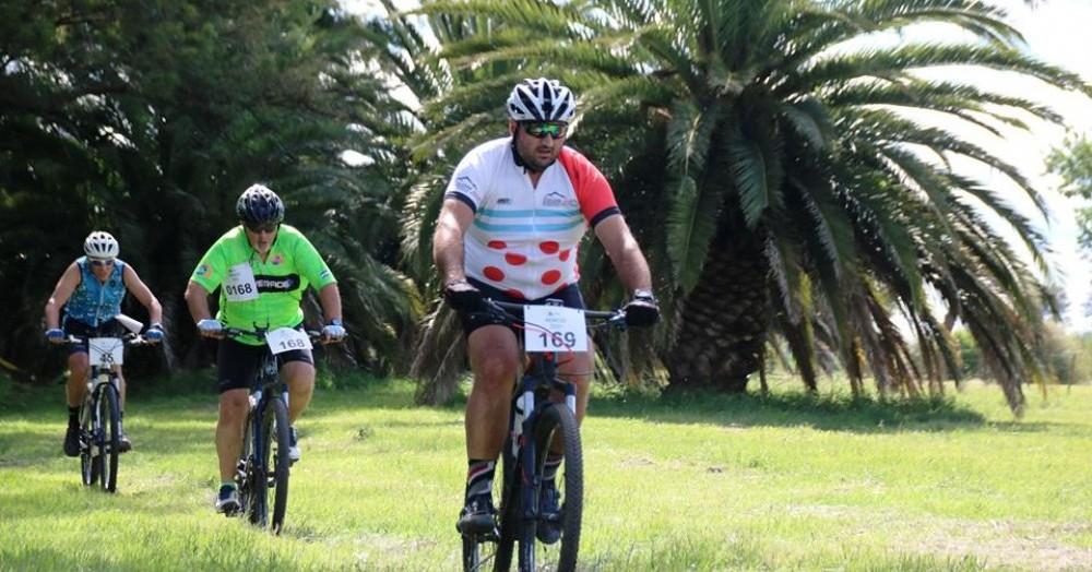 Alrededor de 300 ciclistas formaron parte de la competencia de MTB que tuvo sede en el Lago Municipal.