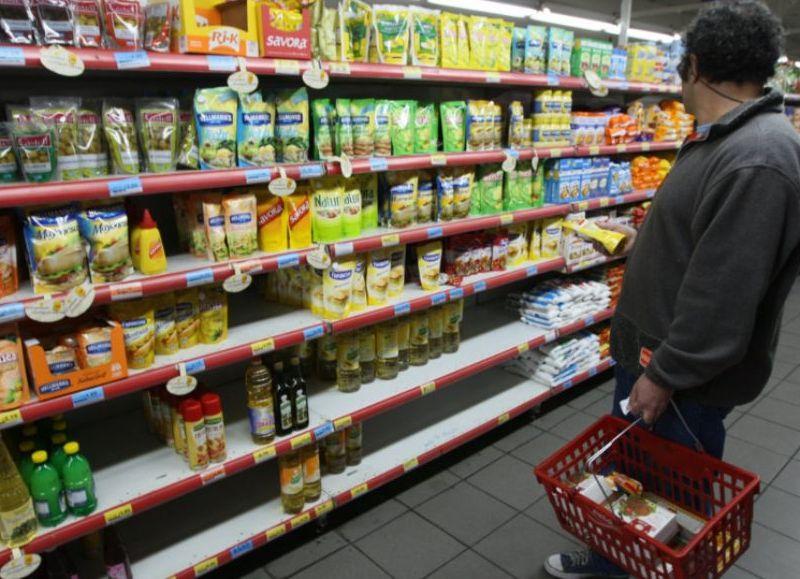 En Colón, una familia necesita $ 239 por día para la mínima alimentación.