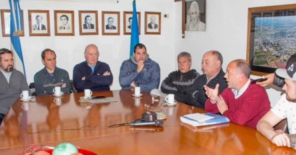 Conferencia de prensa en el Palacio Municipal.