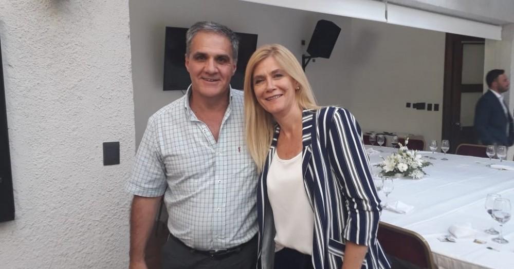Pablo Pino junto a la vicegobernadora Magario.