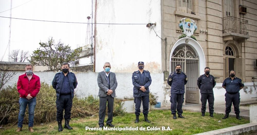Felicitaron al jefe de Policía comunal, Adrián Oderda y a Marco Velázquez quién de subcomisario, asumió como jefe de estación de policía.