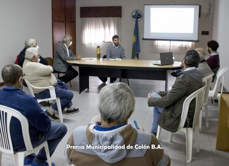 Se reunieron el ministro de Desarrollo Agrario provincial, Javier Rodríguez, el intendente Ricardo Casi y funcionarios municipales.