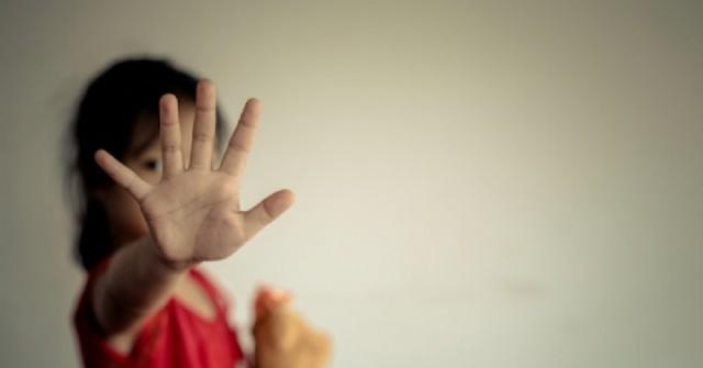 Aberrante: un policía de Rojas habría violado a la hermanita de su novia