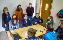 Rocío Martínez, secretaria de Educación, Ciencia y Tecnología Municipal, y Gonzalo Villalonga, director de Gobierno, visitaron en la mañana del viernes la institución local Apine.