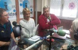 Visita a los estudios de FM Identidad.