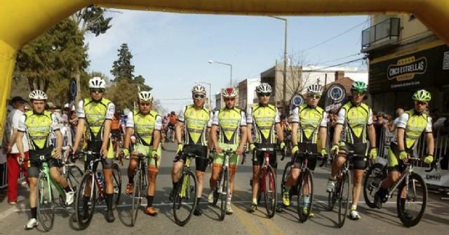 El equipo de ciclismo de la Municipalidad clasificó para la Doble Bragado 2020