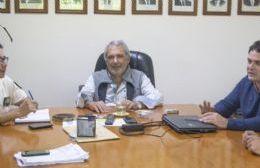 El intendente Ricardo Casi recibió en su despacho a integrantes de la fuerza de seguridad.