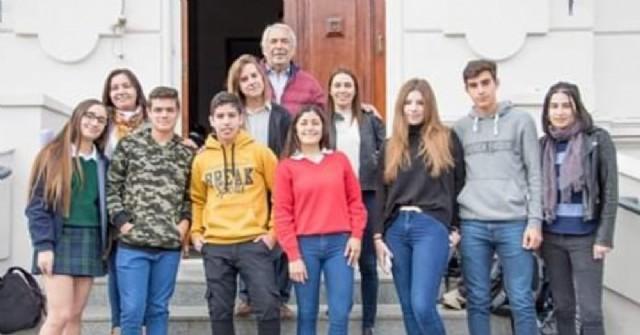 Estudiantes locales en las Olimpíadas de Historia