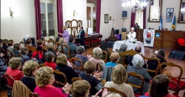 Acto por el 25º aniversario de la Asociación de Docentes Jubiladas y Retiradas