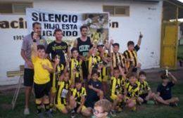 Escuela de Fútbol en Racing: Inicio de prácticas y encuentro en Pergamino